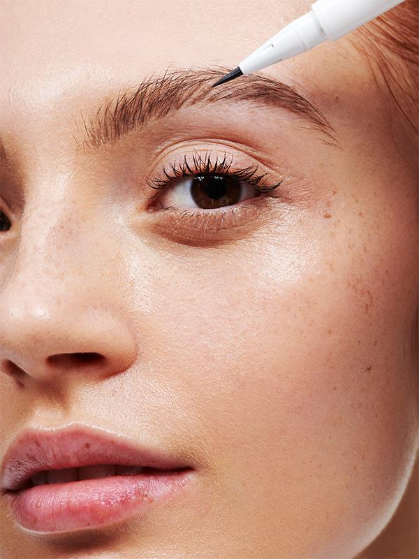 Glossier - Brow Flick